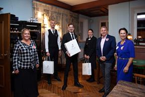 Patrick Aichlseder gewinnt den Sommelier-Trainingswettkampf 2020