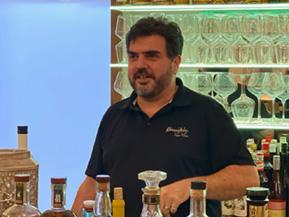 Liste Schaumwein und Glas im Kliemstein